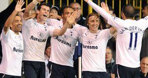 Tottenham-v-QPR-Gareth-Bale-celeb-second-goal_2672373